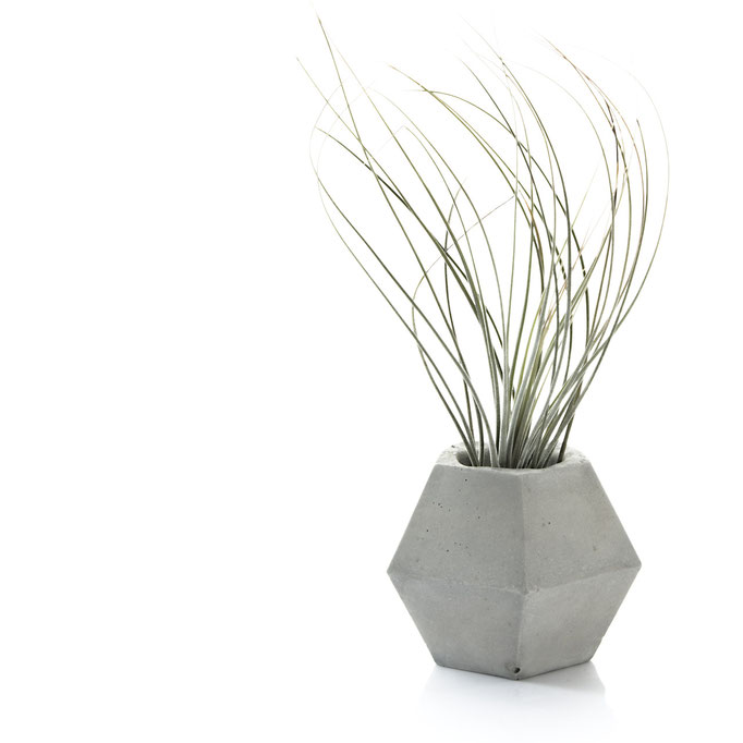 Grey Geometric Pot Pasinga.etsy.com £15.99
