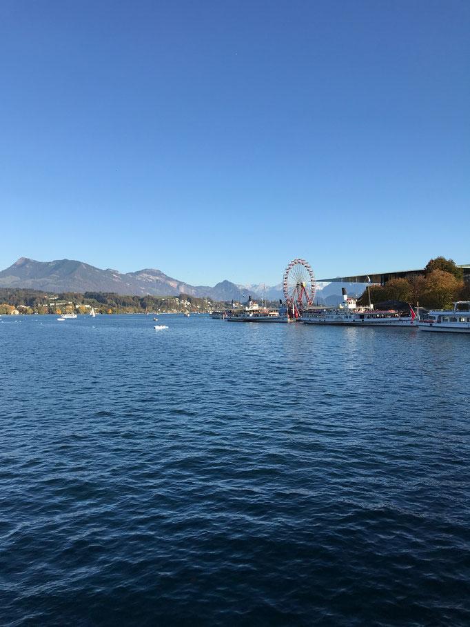 """Blick auf den See mit dem Riesenrad der """"Lozärner Mäss"""", Luzern"""