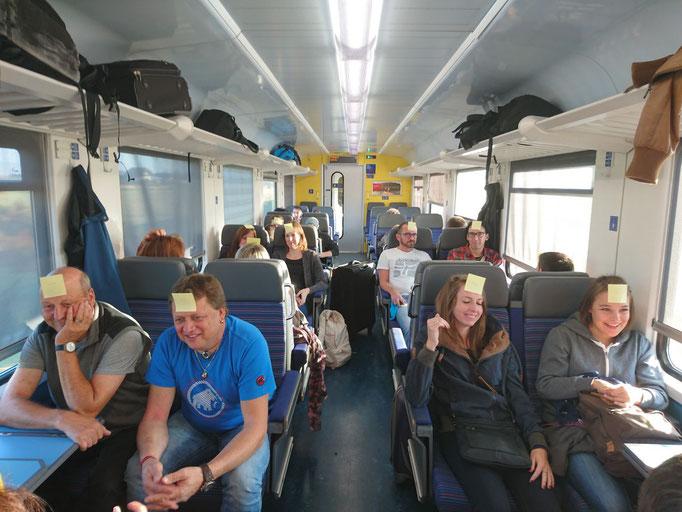 Begrüssungsspiel von Ornella im Zug von Visp Richtung Lenzburg