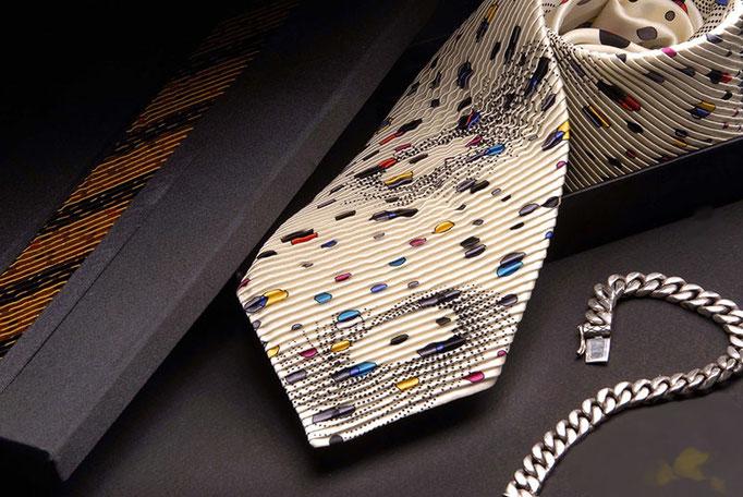 Italienische Krawatte mit Pliege
