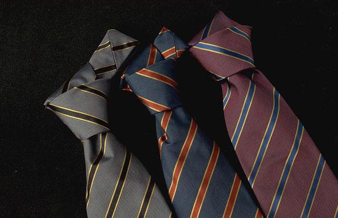 Elegante Business Krawatten mit Ihrer Etikette