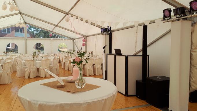 Hochzeit in einem Zelt in Lette