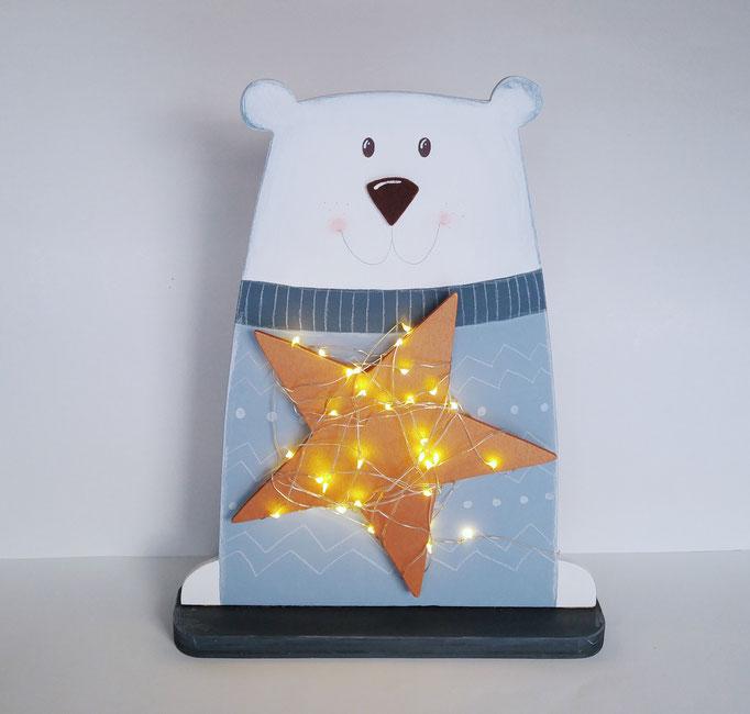 Holzfigur, Eisbär mit Lichterkette
