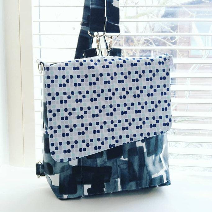 Tasche, als Rucksack oder Umhängetasche tragbar