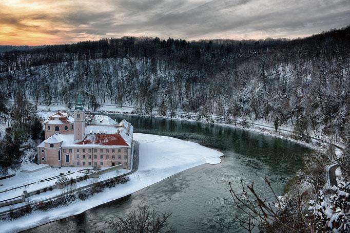 Ausblick von oben, Donau und Kloster Weltenburg.