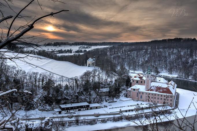 Kloster Weltenburg und die Donau, Blick von oben.