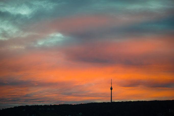 Sonnenaufgang hinter dem Stuttgarter Fernsehturm