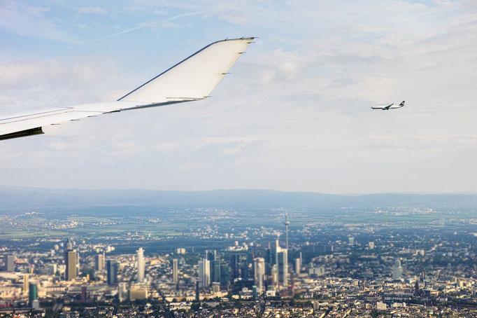 Anflug auf Frankfurt mit Begleitung
