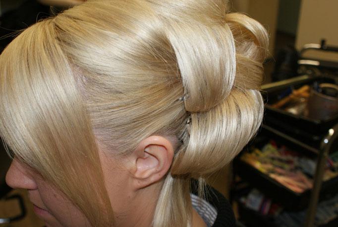 [Blond]