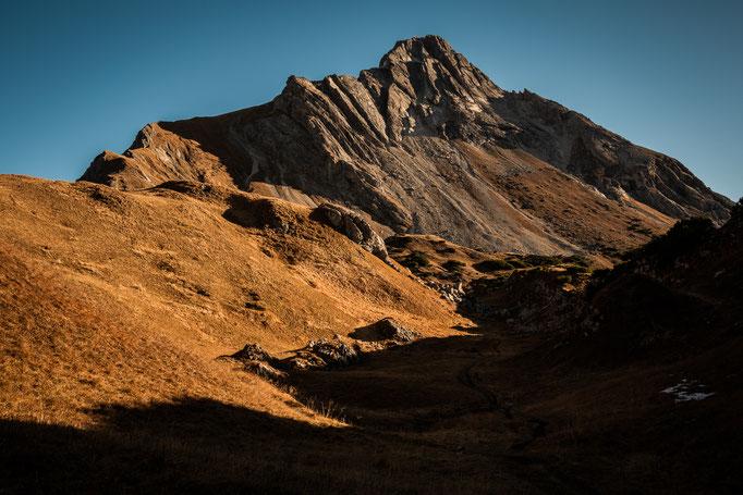 Hier steht irgendwo die verfallene Alpe