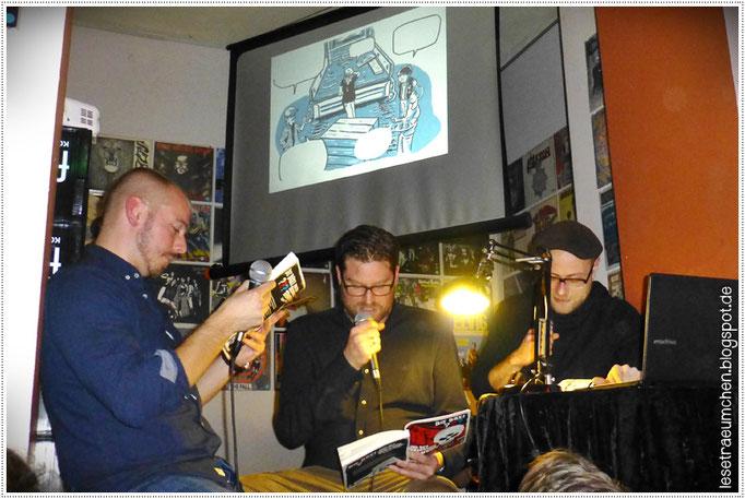 """Der Anfang der Graphic Novel """"Die drei ??? und der dreiäugige Totenkopf"""", vorgetragen von den beiden Autoren Ivar Leon Menger und John Beckmann sowie dem Illustrator Christopher Tauber. Großer Spaß in vollstem Haus, dem """"Feinstaub""""."""