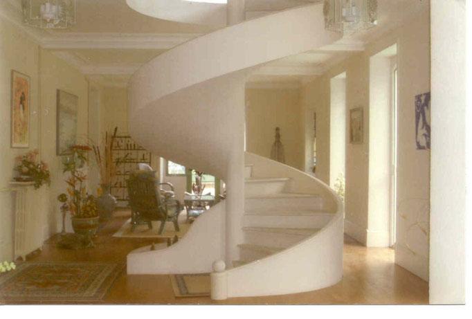 Escalier helicoidale avec noyau central