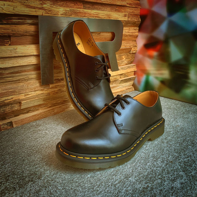 136 00 00 082 - Dr. Martens 1461 Smooth - €159,00