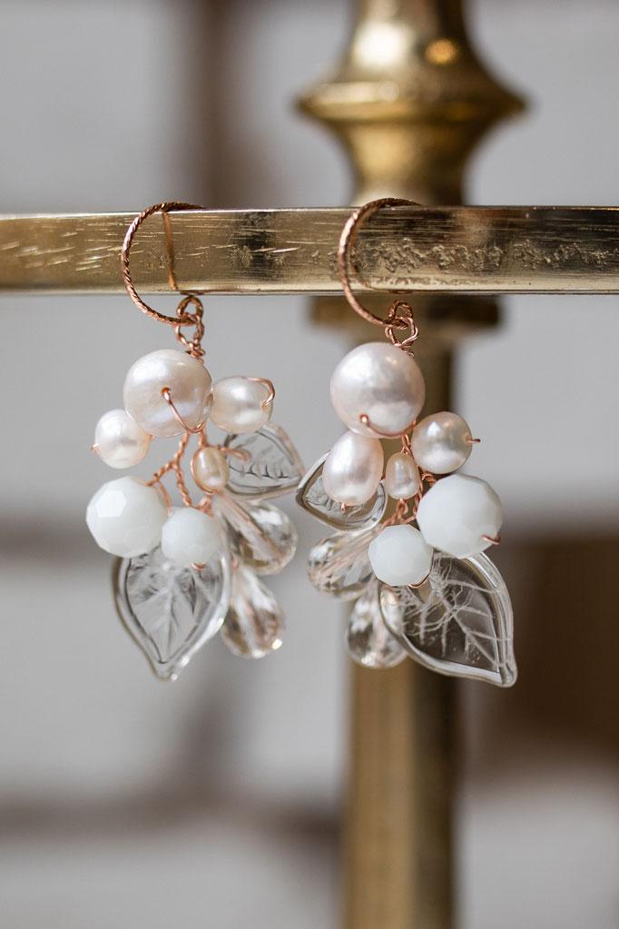 Ohrhänger Perlen in 14K Rosegold, Glasblätter und Süßwasserperlen