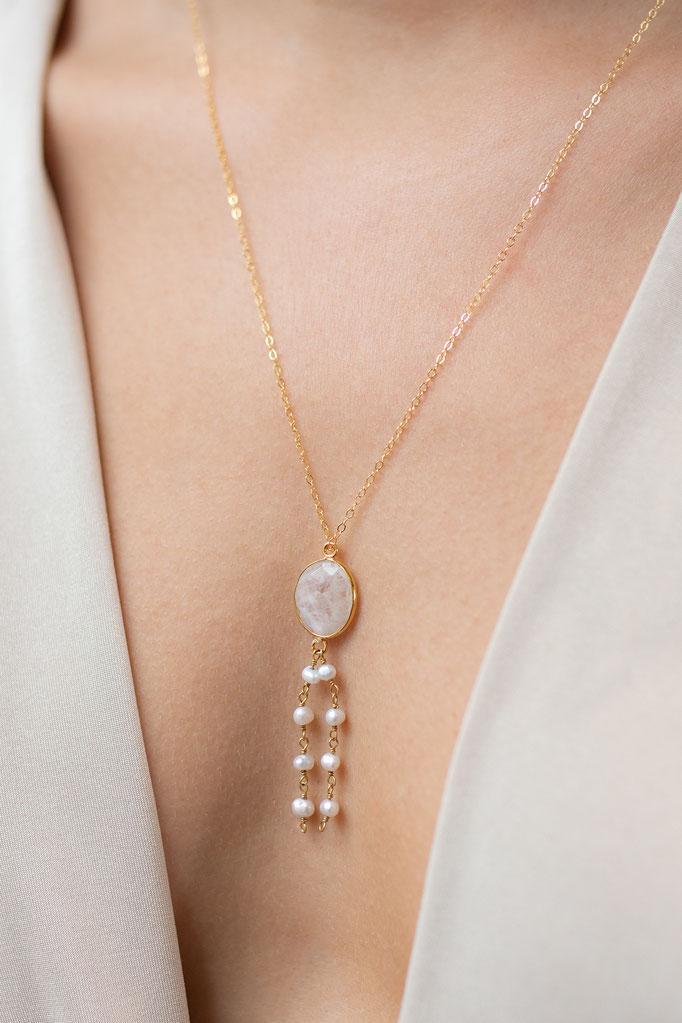 Halskette 14K mit einem Anhänger aus Rosenquarz und Perlenketten aus Süßwasserperlen