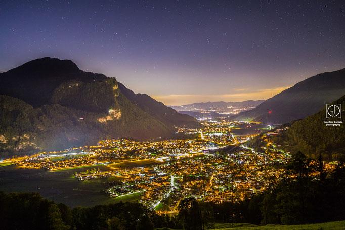 Glarus Nord bei Nacht