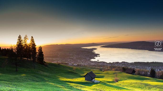 Etzel mit Sicht auf den Zürichsee