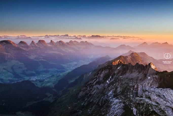 Sicht auf die Churfirsten.Säntis  2'502 m ü. M.