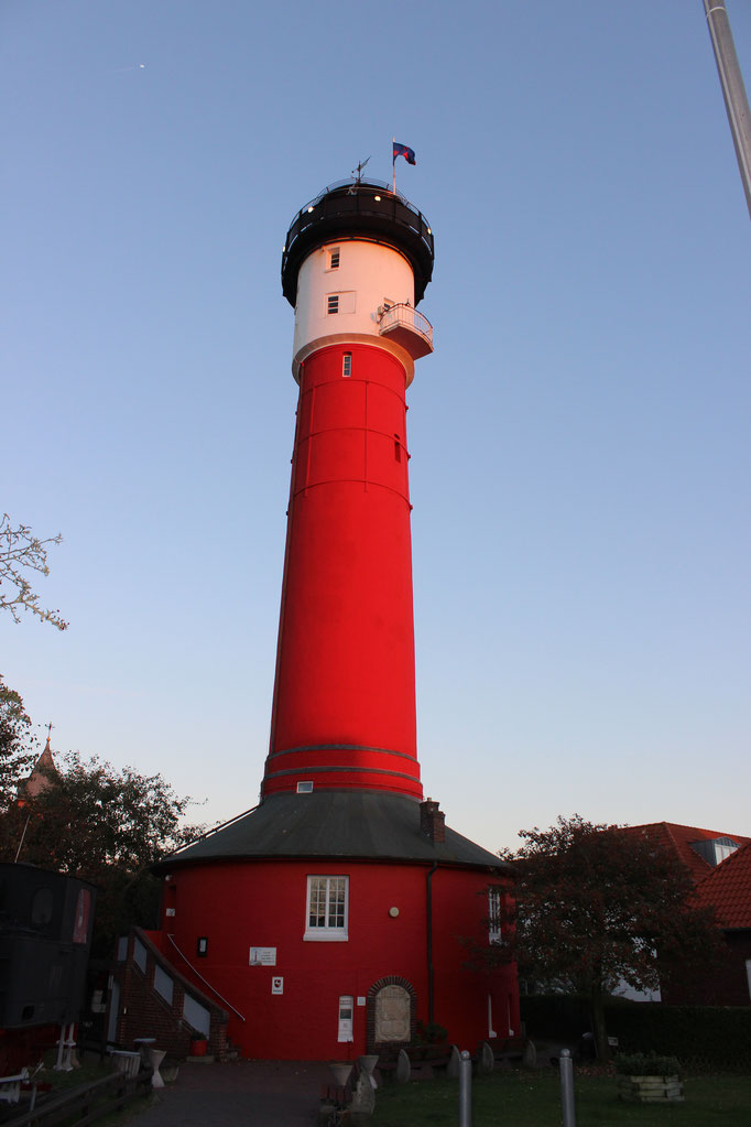 Wangerooge Alter Leuchtturm in der Abendsonne