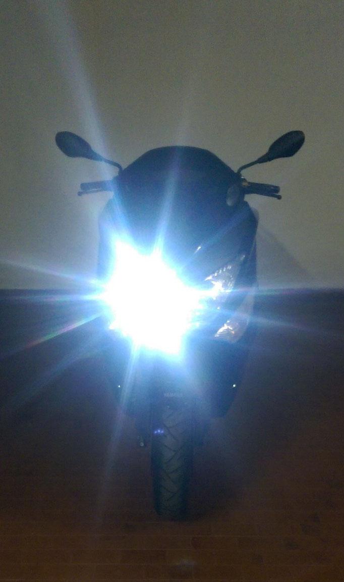 T-MAX monta due Kit LED -  TKL-M3/H4/H6/H7 - Anabbagliante + Abbagliante