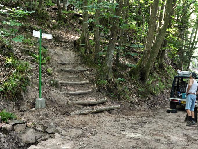 Nouvel escalier  montée vers l'Elsberg  (Abri)