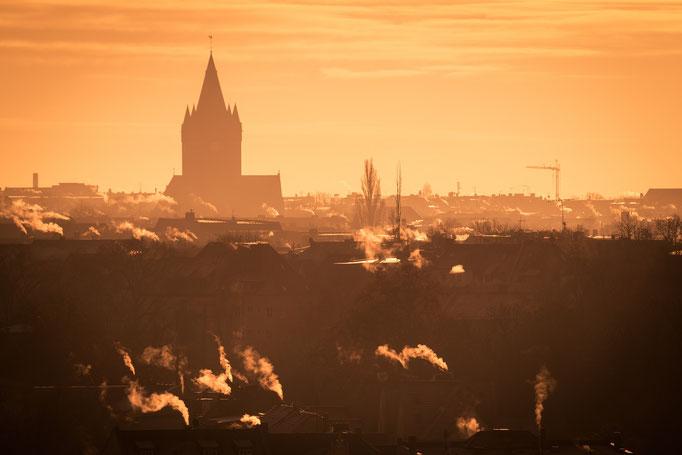 Blick zur Pauluskirche an einem Wintermorgen