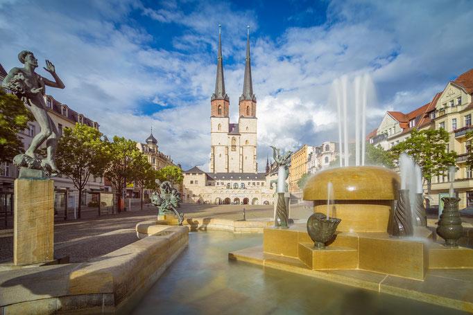 Hallmarkt mit Göbelbrunnen