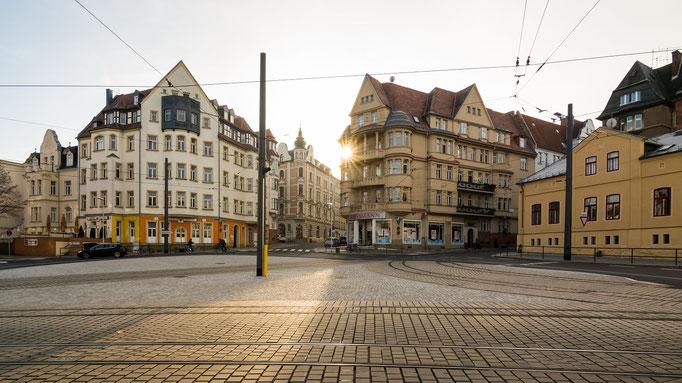 Sonnenaufgang über dem Riebeckplatz im Winter