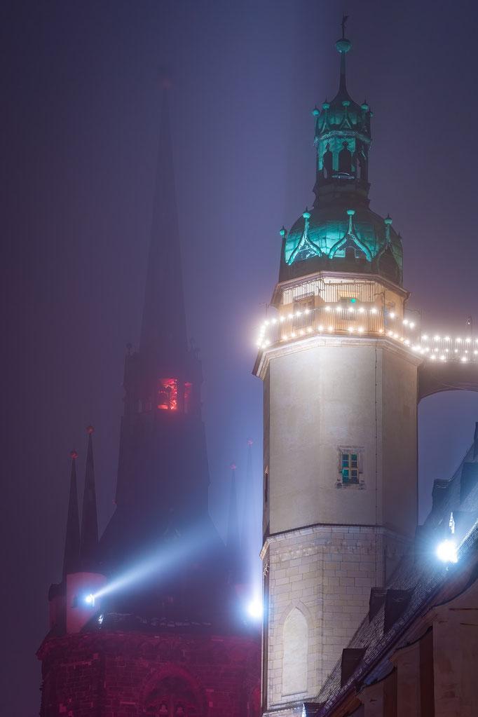 Hausmannstürme und der Rote Turm im Nebel