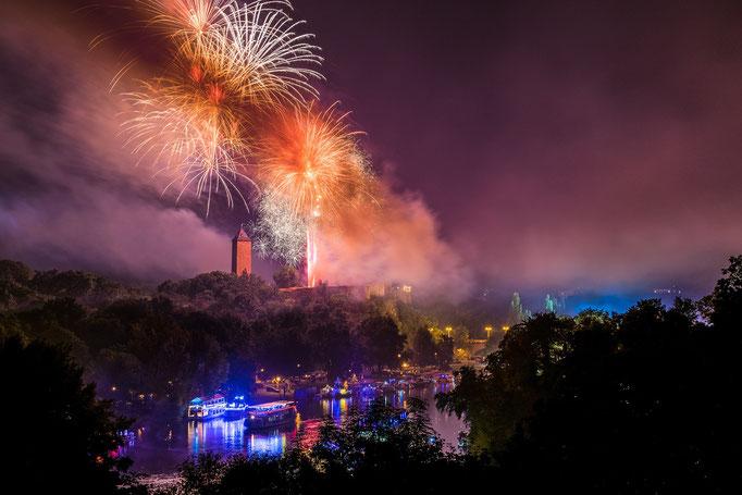 Höhenfeuerwerk über Burg Giebichenstein zum Laternenfest