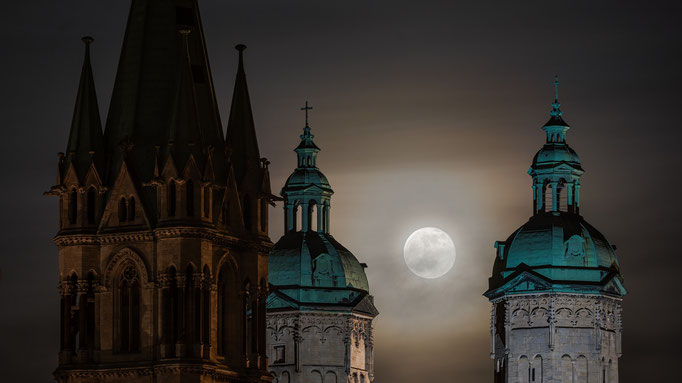 Naumburger Dom mit Vollmond