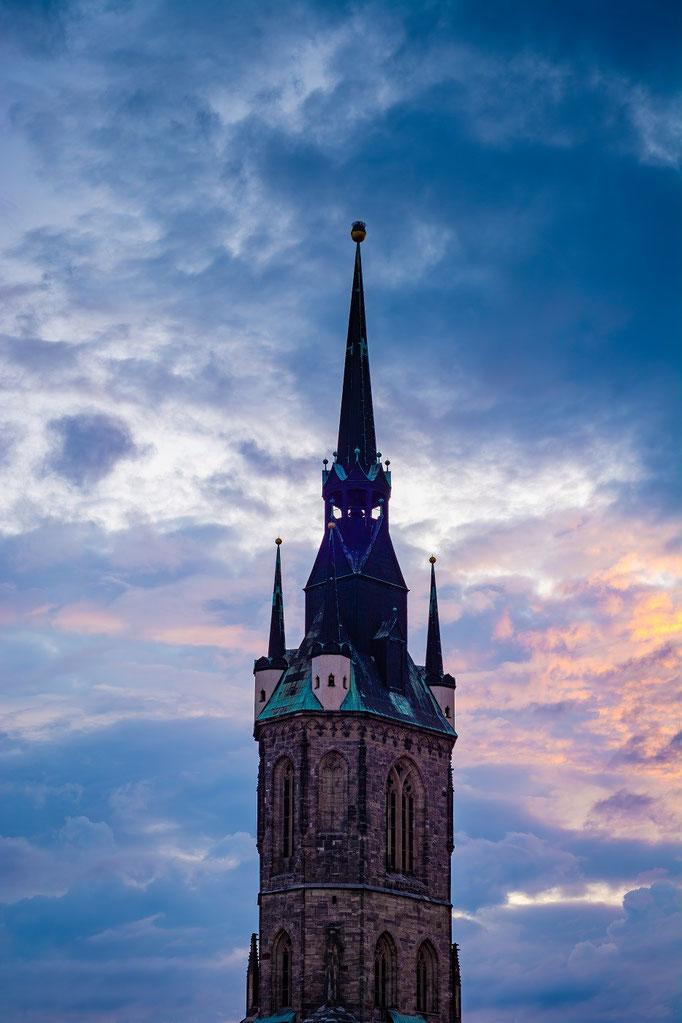 Der Rote Turm in der Abenddämmerung