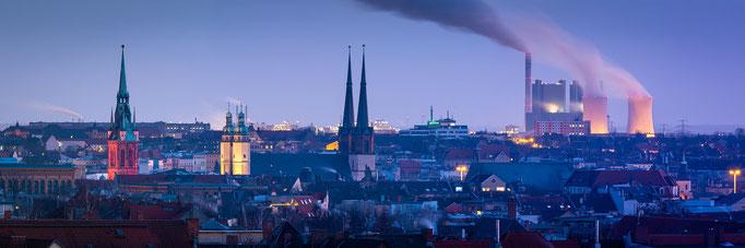 Panorama-Blick über die Halle vom Galgenberg
