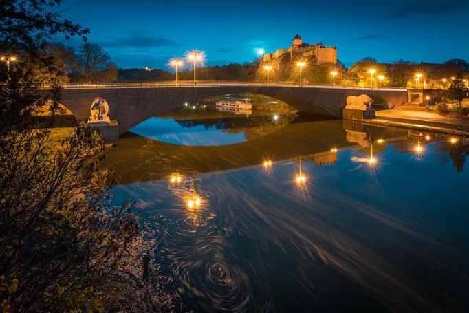 Burg Giebichenstein an einem Abend im Herbst