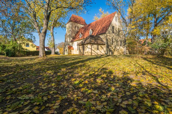 St. Wenzel Kirche in Radewell im Herbst