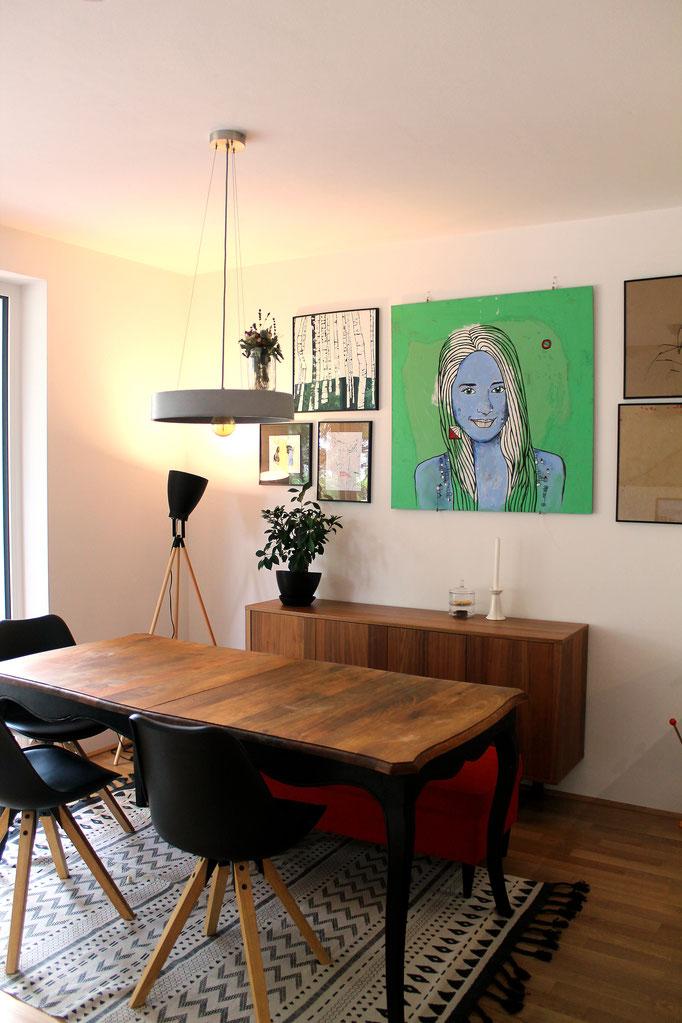 Portrait 'JULIA' in seinem neuen Zuhause