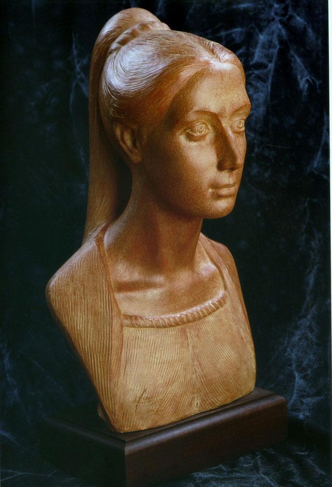 Ritratto di donna. Terracotta patinata 35x30x40