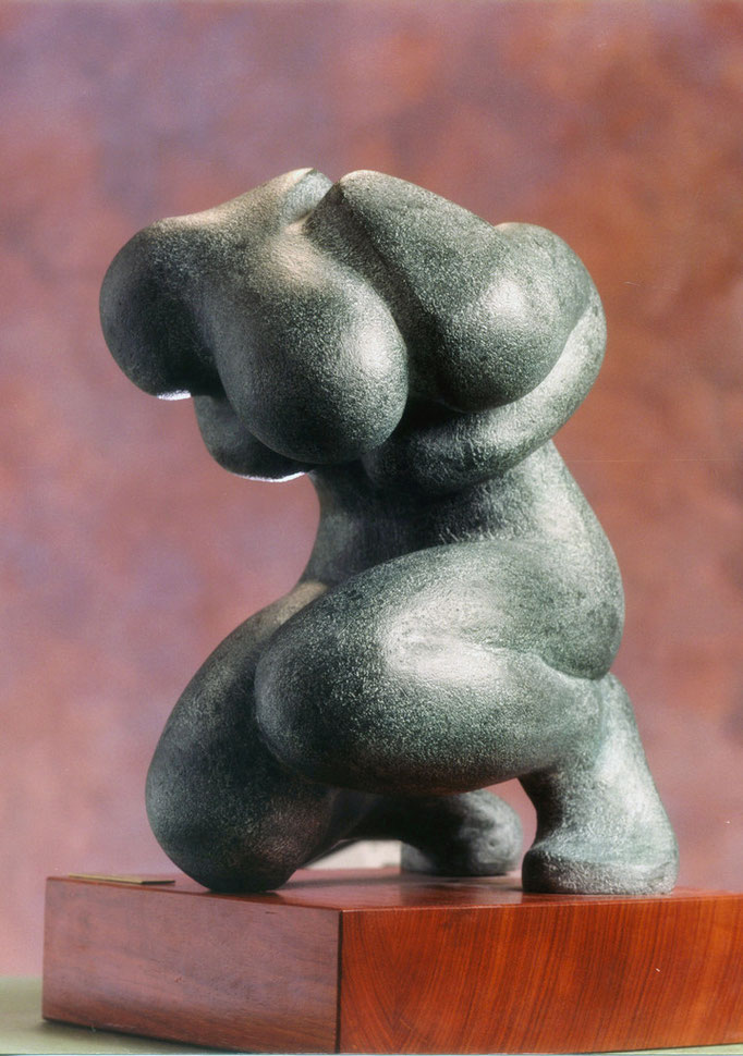 IL TORMENTO. Terracotta patinata 30x30x55