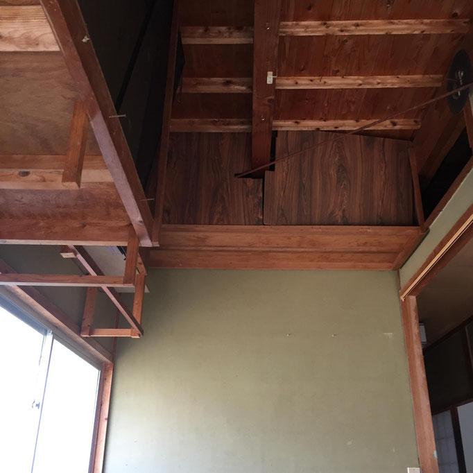 これは、店鋪の玄関の天井。どうなってんだ?でも色々遊べそうでお気に入り!
