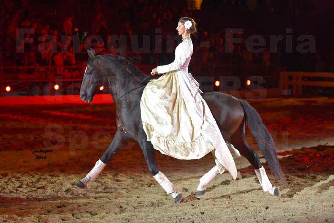 Féria de Béziers 2016 - Spectacle du soir - cavalière numéro de haute école