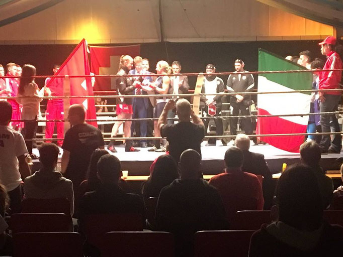 Box-Ring Zürichsee - Boxerin Emma Payne