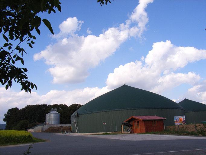 An der Biogas-Anlage Holzmeier