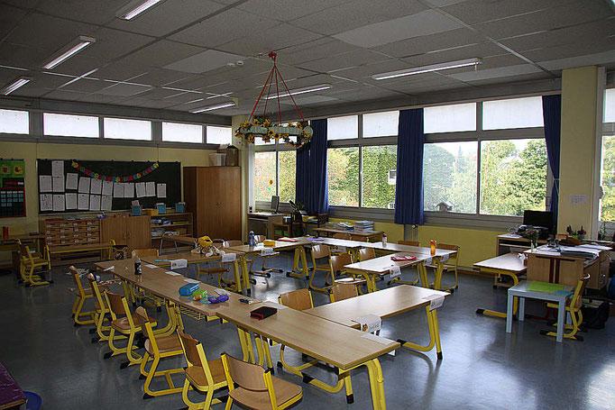 Ein Klassenraum im Hauptgebäude