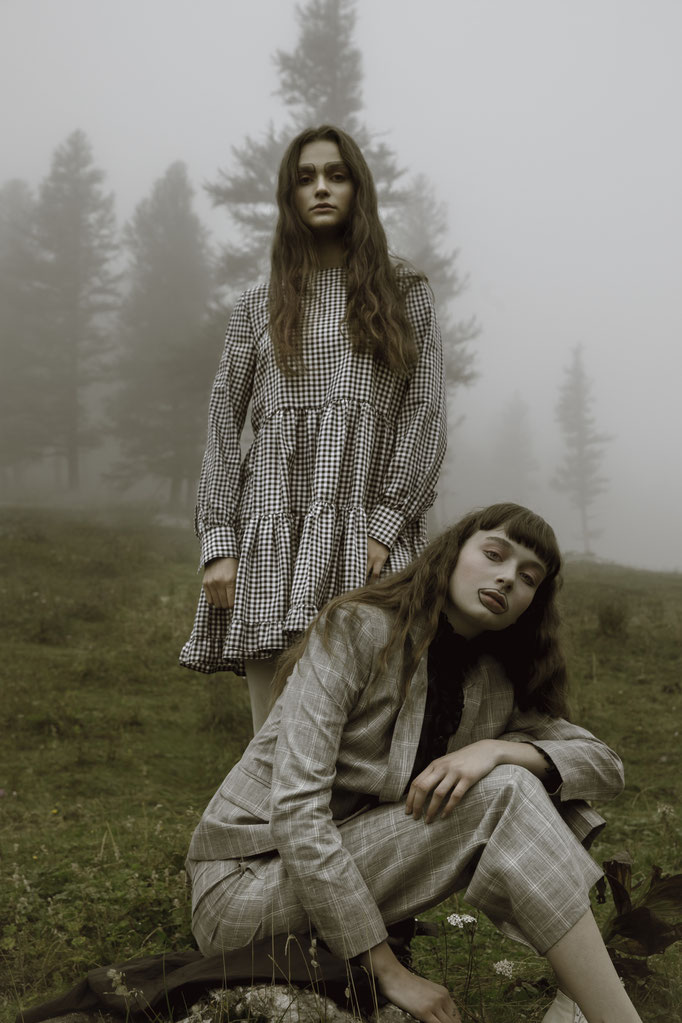 """Der Kopf in den Wolken"" for badtothebonemagazine - photographer: alice berg - styling: alice berg & carola pojer - makeup & hair:  Anie Lamm-Siu - models: petra & edina @facemodelmanagementhungary - support from andrea pievetz boutique"