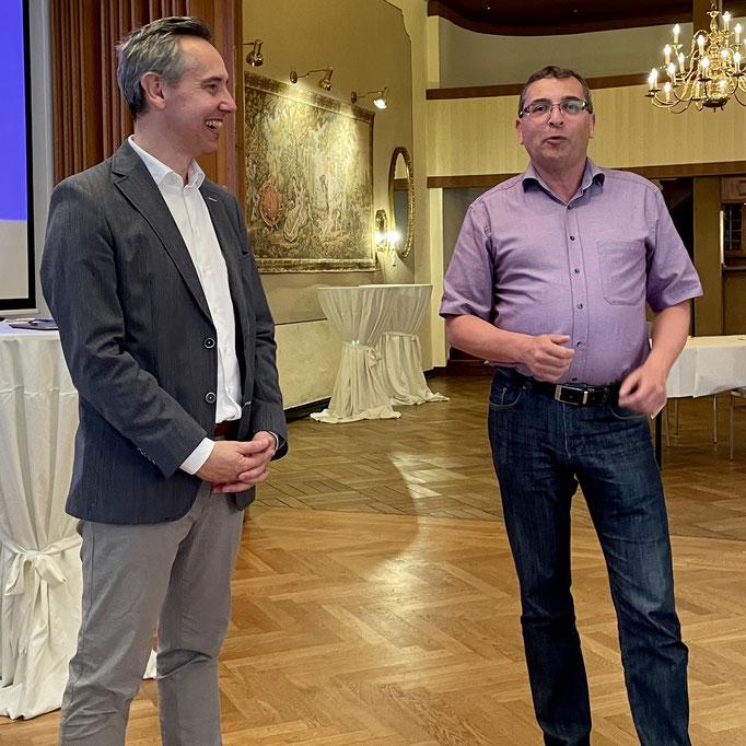 Landratskandidat Jens Grote mit dem 1. Vorsitzenden Thorsten Schröder