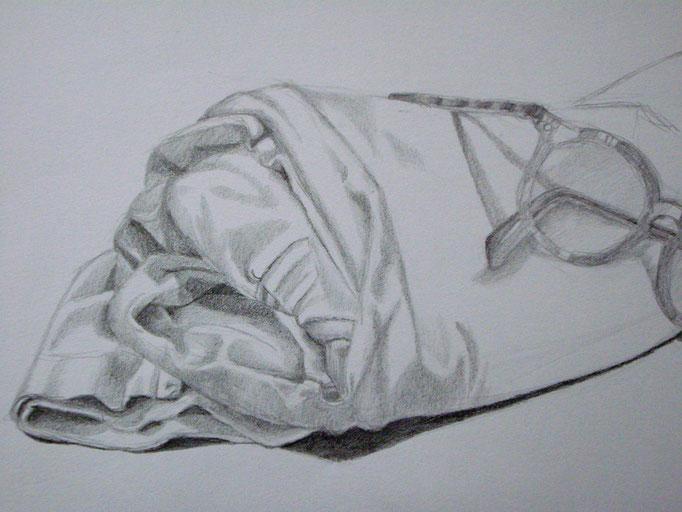 Stoff & Brille, Bleistift auf Papier, 29.5x42cm - CHF 200.- (ohne Einrahmung)