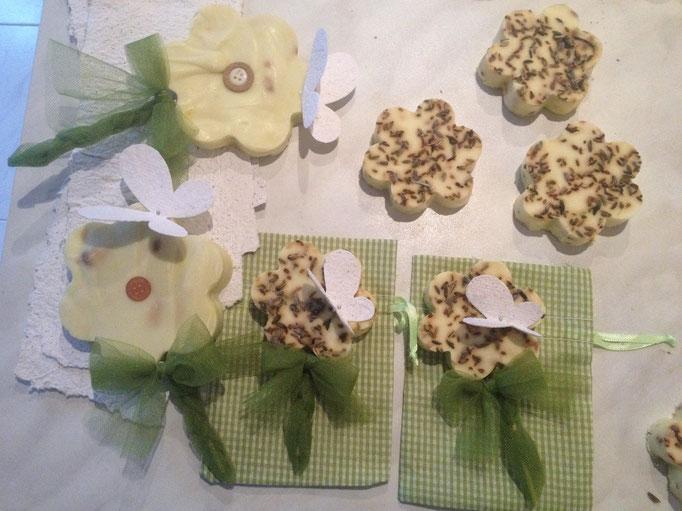 Set di saponcini aromatici per bomboniere e decorazioni