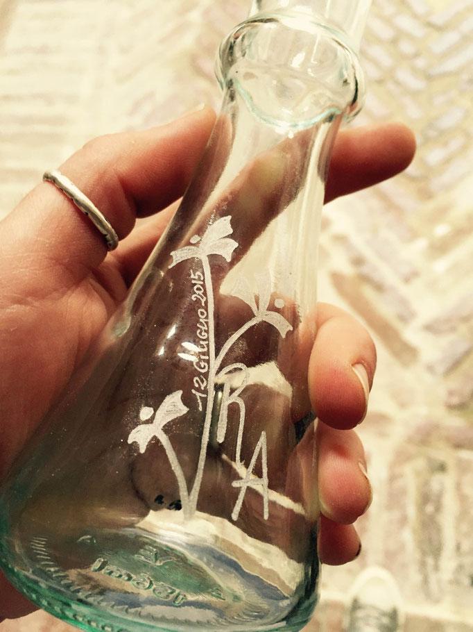 Incisione con iniziali sposi su bottiglia olio d'oliva aromatizzato vari gusti