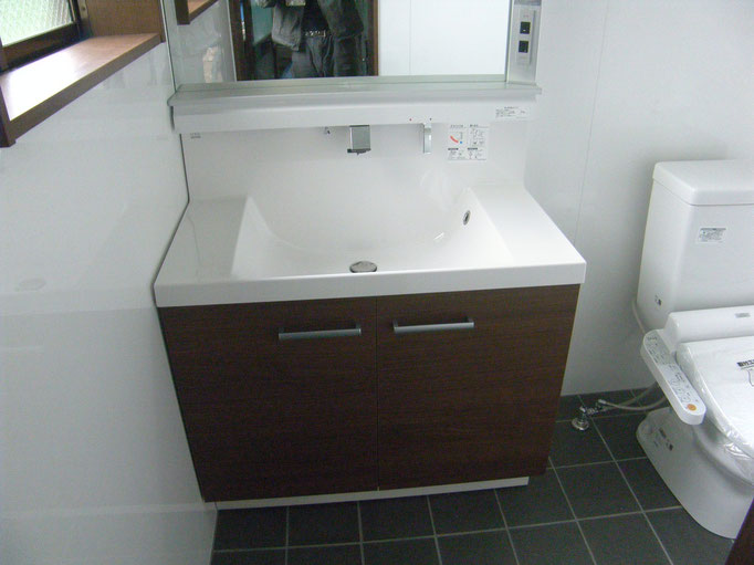 トイレ新設工事の工事写真