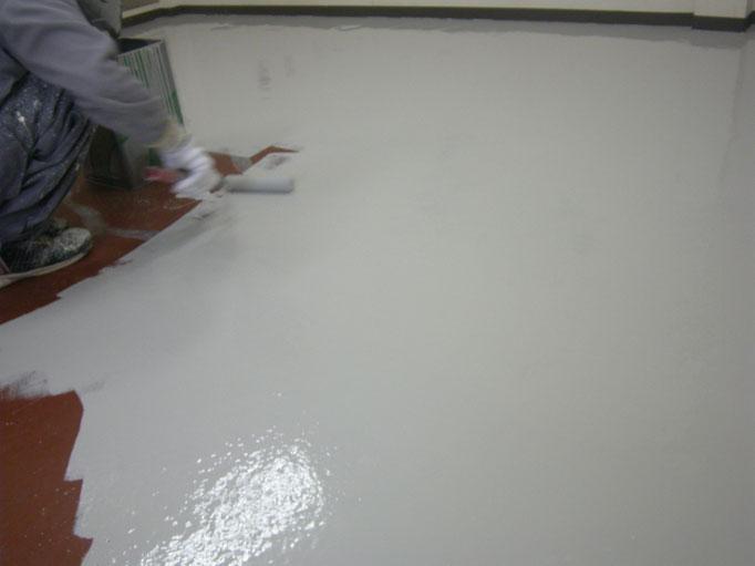 工場内塗床改修工事の工事写真